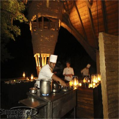 Singita staff prepared an eco-friendly meal by lantern light