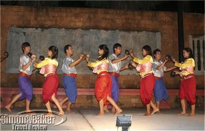 Apsara dance demonstration
