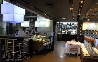 The kitchen and deli areas were just at the entrance to the bistro
