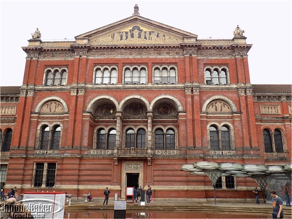 We unexpectedly loved Victoria and Albert Museum, especially for its sculpture collection