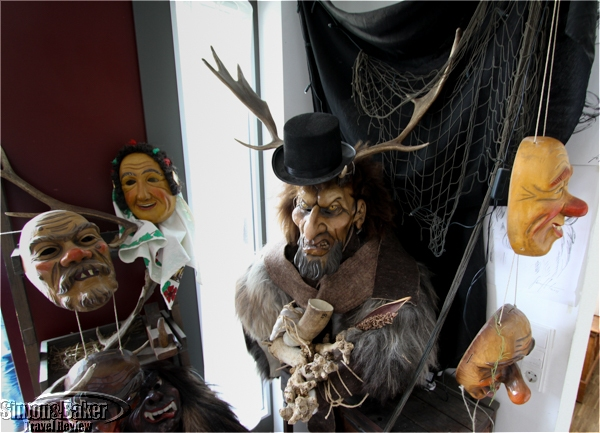 Display of masks at the entrance